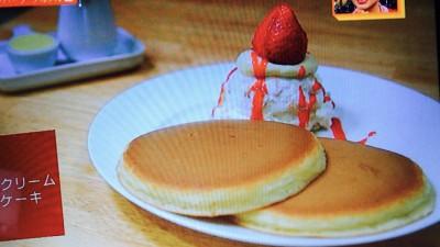 フルフル「フルーツクリームホットケーキ」
