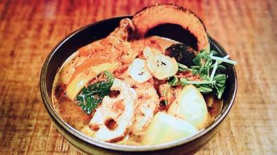 シャナイア「チキンと野菜のスープカレー」