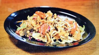 ノング・インレイ「お茶葉のサラダ」