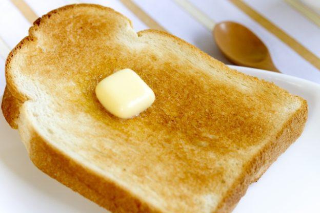 マッキー牧元のバタートーストの食べ方