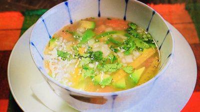 サルシータ「ユカタン風チキンとライムのスープ」