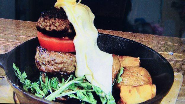 CCC「ラクレットチーズの肉バーガー」