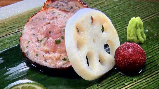 日本料理たかむら「比内地鶏の首皮包み焼き」